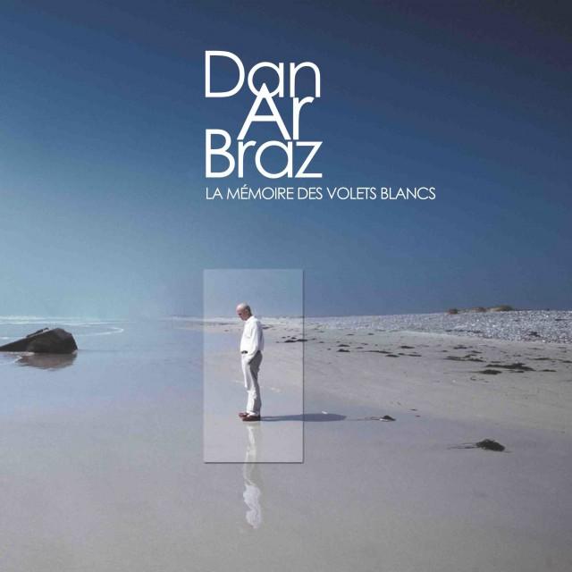 24 - LA MEMOIRE DES VOLETS BLANC 2001
